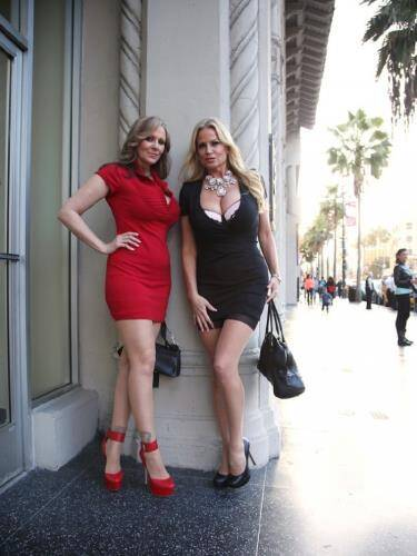 Julia Ann, Kelly Madison - Hollywood Hook Up (2015/SD)