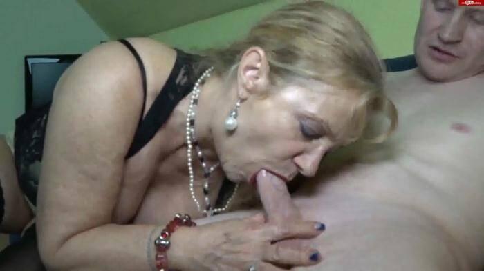 Grossmutter-Gerda - Der Freund meiner Tochter hat sich bei mir ausgeheult [Germany Girl] 1080p