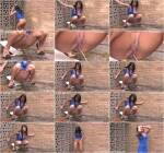 SneakyPee - Jessica - Outdoor Piss! [HD, 720p]