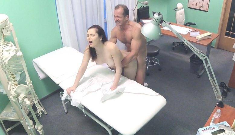 Fake Hospital - Nana Federova (Double cumshot for petite Russian / fh1205 / 15.12.15) [SD]