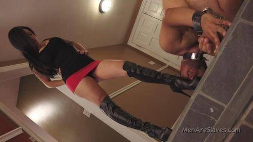 I Adore Your Boots [HD, 720p] [Menareslaves.com] - Femdom