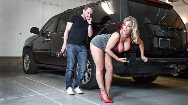 Mrs Creampie - Amber Lynn Bach - Milf with Big Tits (14.04.2016) [SD]