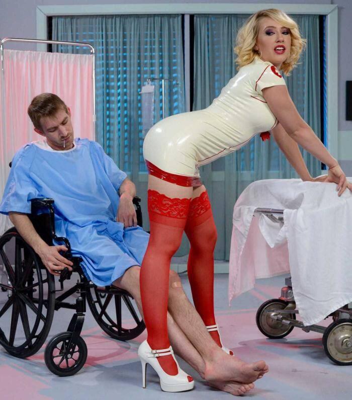 Brazzers: Kagney Linn Karter - Super Nurse  [HD 720p]