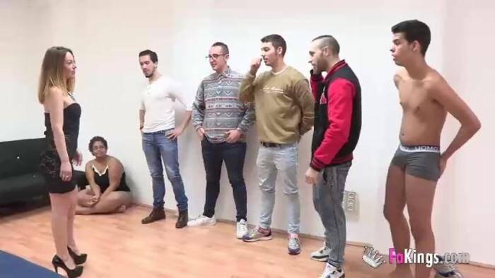 Fakings: Sandra Black,Lucia Hormigos - Una madura REPUTA y el primer gang bang de su vida con 5 YOGURINES (y una chica virgen mamando pollas).  [SD 480p]  (Spanish porn)