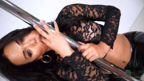 BiankaNascimento.com [Bianka Nascimento - Stripper Pole] HD, 720p