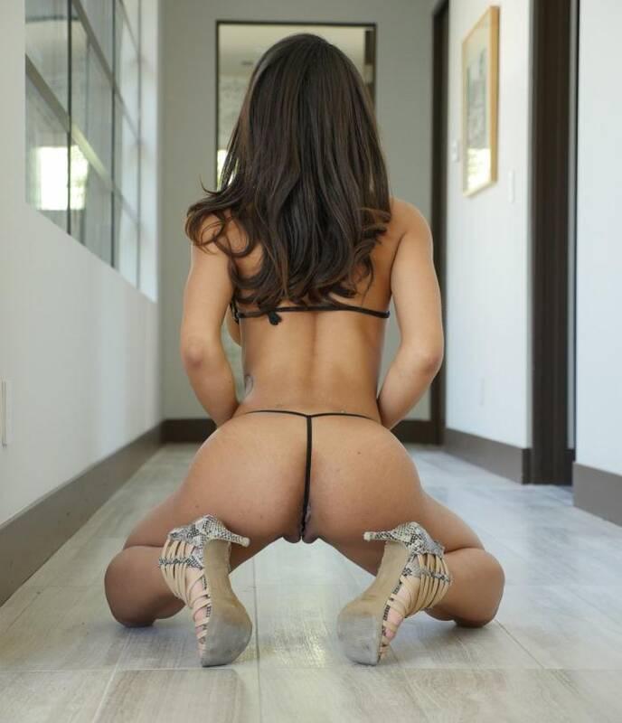 Exotic4k.com - Nicole Bexley - Selfie Slut  [SD 480p]