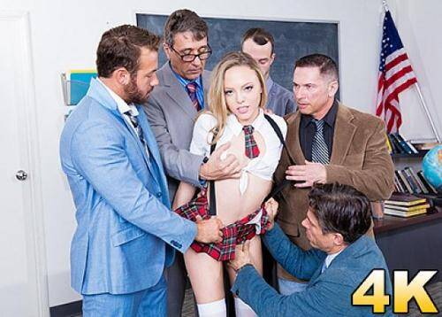 Pornostars [Aubrey Star Has A Horny Teachers Conference] SD, 558p)