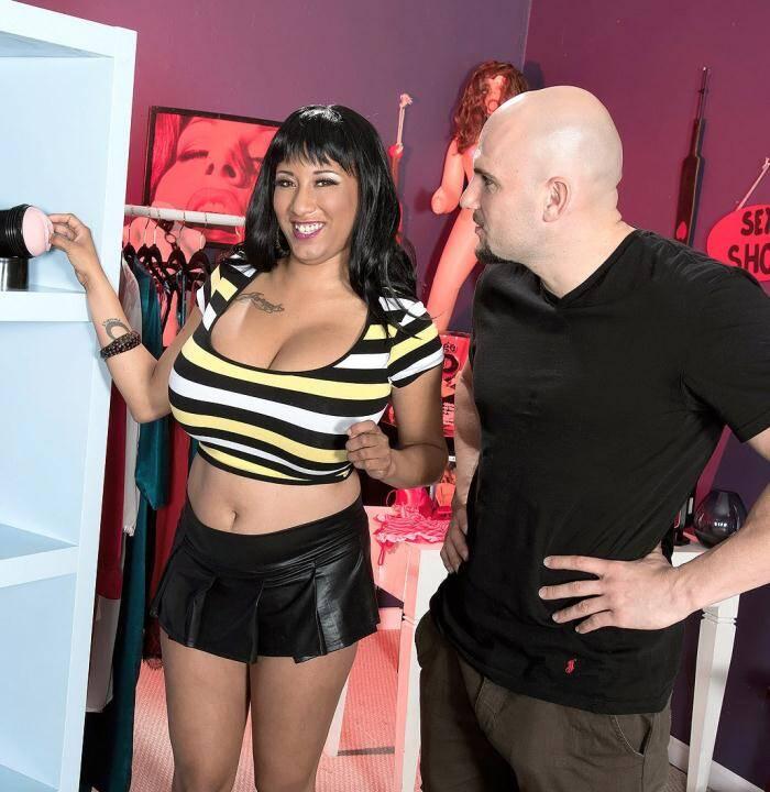 Porn Load - Danni Lynne - 36EEE Porn Store Salesgirl  [HD 720p]