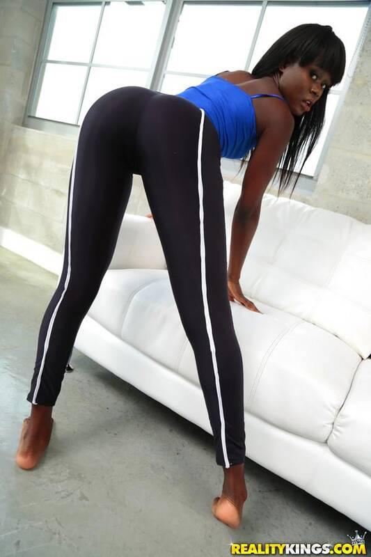 Amanda Pink - Booty cheeks 432p