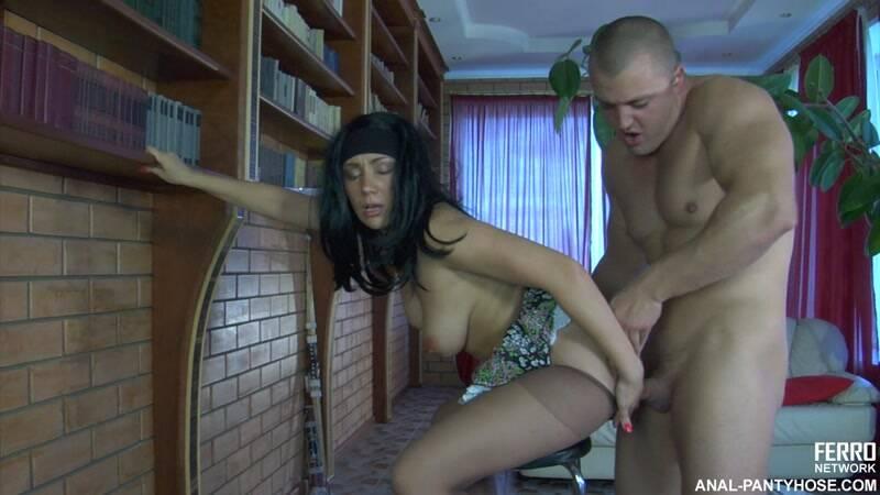 Ferro Network - g575 - Linda, Nicholas (Anal-Pantyhose / Russian Girls) [HD]