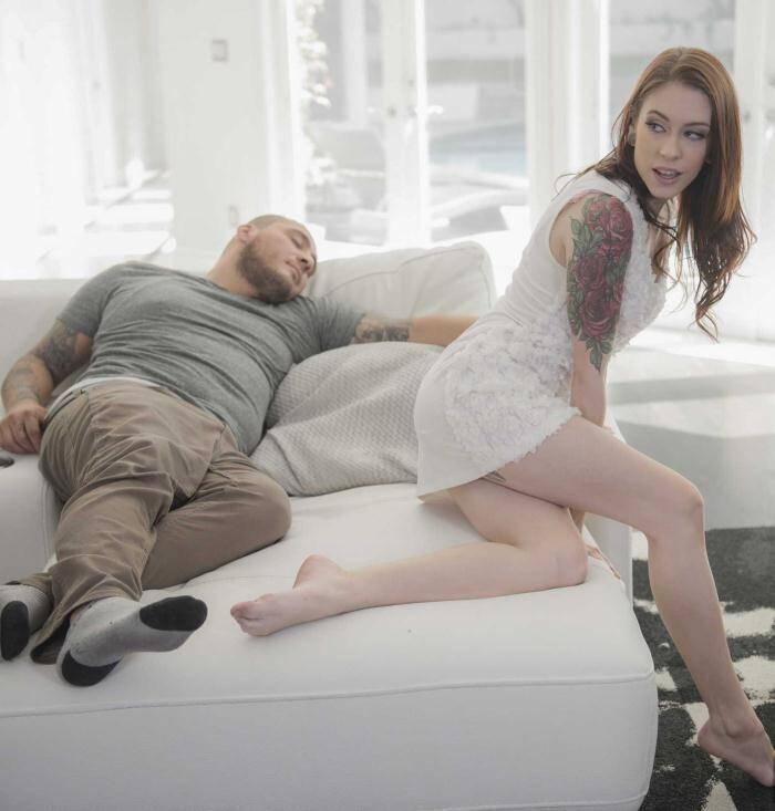 Babe - Anna De Ville - Layover Lust  [HD 720p]