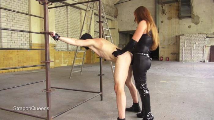StraponQueens.com - Queen Lissandra - Dutch Slave (Strapon) [FullHD, 1080p]