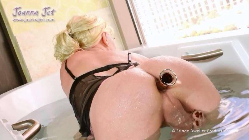 JoannaJet.com: Joanna Jet - Me and You 189 - Bathtime [HD] (214 MB)