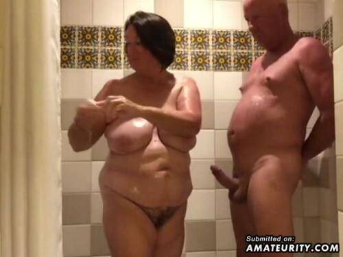 Amateur Porn [Chubby Housewife Sucks And Strokes In The Bathroom] SD, 480p)
