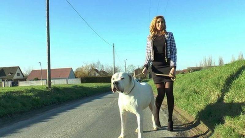 JacquieEtMichelTV/Indecentes-Voisines - Sherine - Sherine, 23ans, beurette classe et sexy ! [2016 SD]