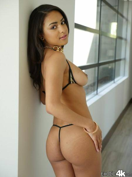 Exotic 4K - Nicole Bexley - Selfie Slut (13.04.2016) [SD]