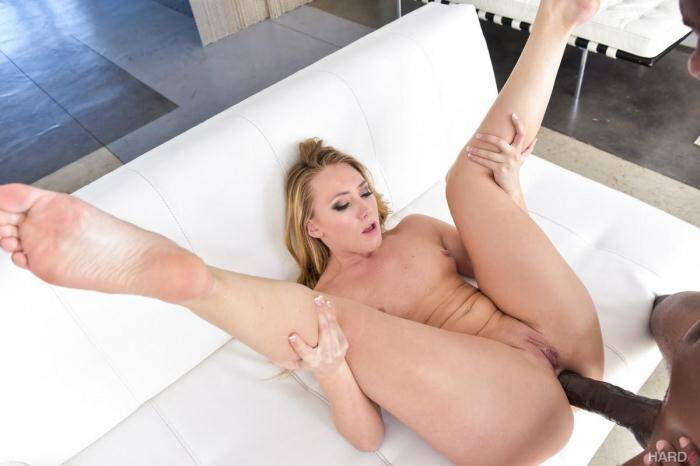 AJ Applegate and Mandingo - Anal Sex (Interracial) [SD, 400p]