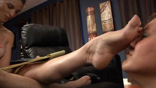 The Bitchy Prima Ballerina [HD, 720p] [IWantFeet.com] - Foot Fetish