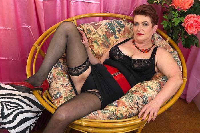 Roza C. (59) [mature.nl] 406p