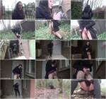 Sneaky Pee - Demona - Amateur Outdoor Pissing! [HD]