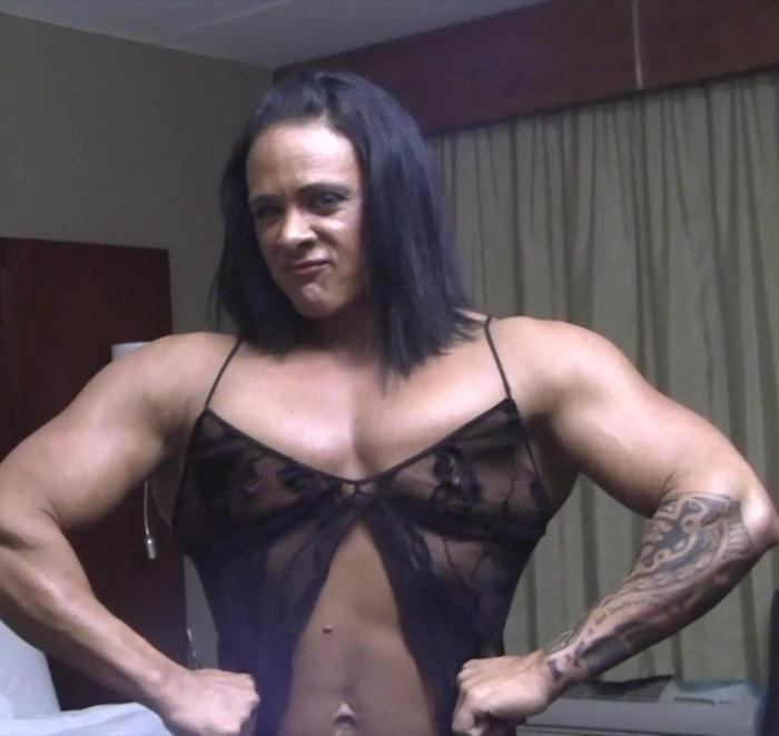 FemaleMusclePOV: Goddess of Iron - She Rides Her Toy So Hard, She Might Break It  Watch Close Up  [HD 720]