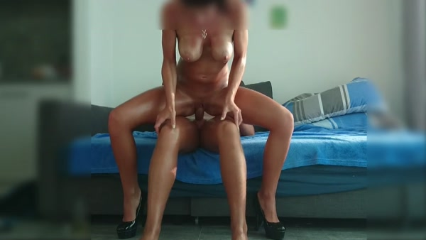 Anonymous Busty Amateur Mom Rides a Cock [HD 720p]