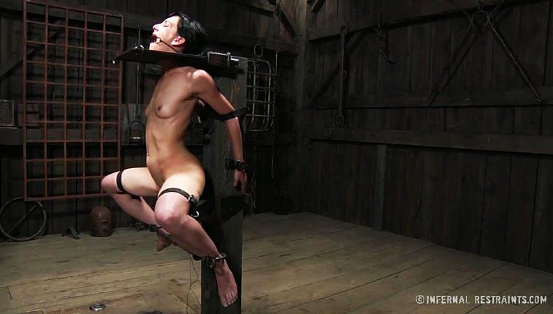 Infernal Restraints - Elise Graves - Safe House! [HD]