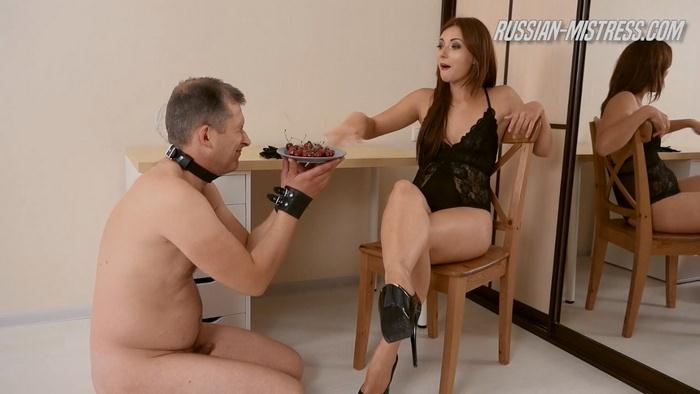 Russian Mistress - Salma - PISS AKTIV [HD]