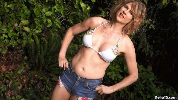 Bikini Top and Denim Cut Offs (Shemale) [HD, 720p]