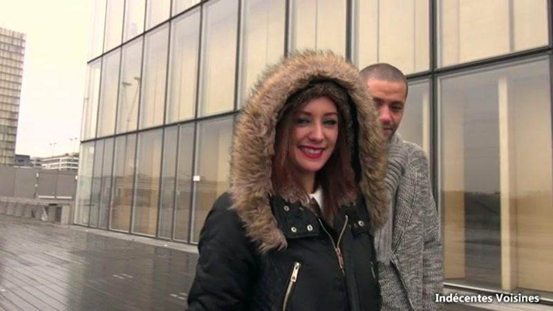 Jacquie Et Michel TV, Indecentes Voisines - Angelique, 23 ans, bibliothecaire a La Defense a Paris, nous ouvre ses fesses ! (video exclusive) [SD]