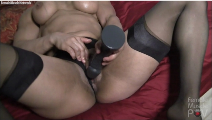FemaleMusclePOV: Slave Lauren - She Just Cant Stop  [HD 720]