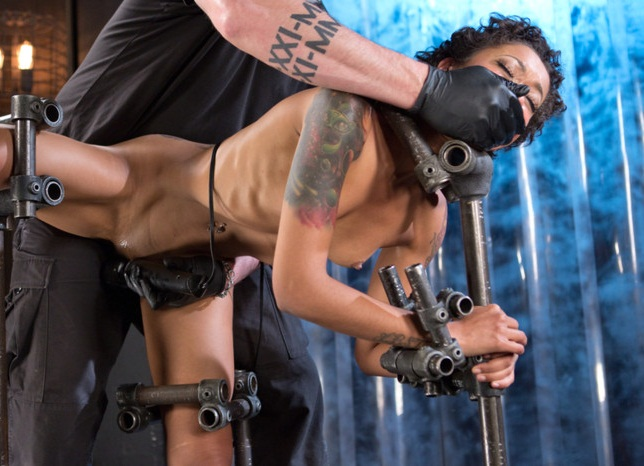 DeviceBondage, Kink - Skin Diamond [Daddys Girl] (HD 720p)