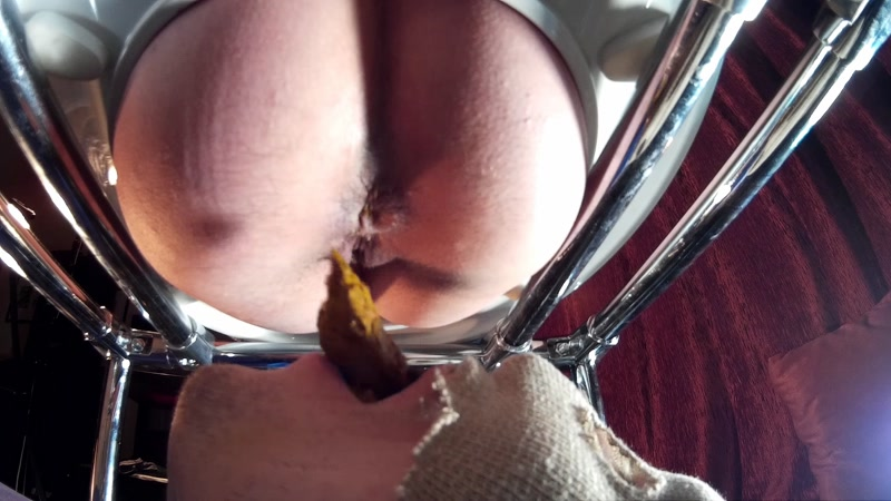 Beautiful video Scat! Gina and toilet slavery Today - 05.05.2016 - Femdom - SCAT [FullHD]