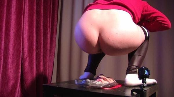 Big pile of shit from Gina - Femdom (FullHD 1080p)