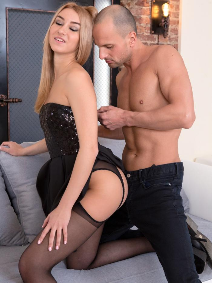 21Sextury - Tina Molly - Getting Tina Ready [HD 720p]