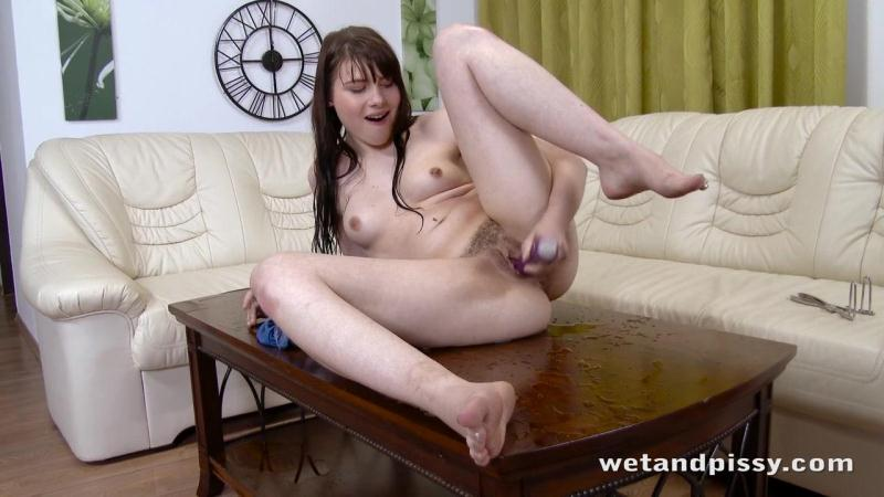 WP - Luna Rival - Crazy Pissing and Squirting! [HD]