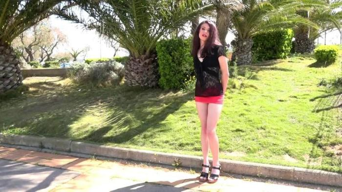 Lola, 19ans! Teen Brunette! / 23.04.2016 [SD/480p/MP4/222 MB]