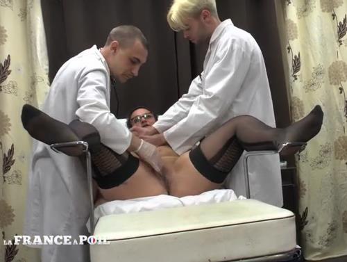 Kelly - Rendez-vous chez le gyneco plus que prometteur pour Mme Kelly (2016/SD)
