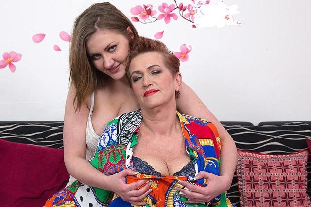 Mature.nl - Roza C. (59), Gabriella D. (19) - Lesbians [SD, 540p]