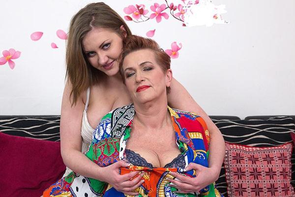 Roza C. (59), Gabriella D. (19) - Lesbians [Mature.nl] (SD, 540p)
