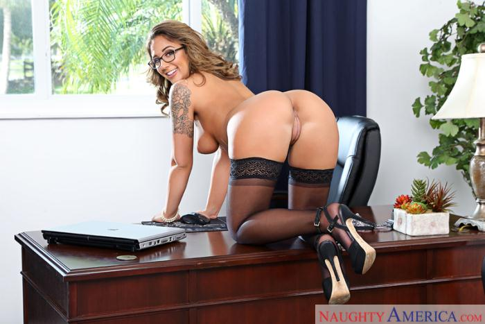 Office Porn - Layla London - Medium Natural Tits  [SD 480p]