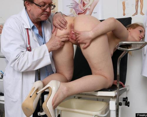 ExclusiveClub.com/FreakyDoctor.com [Ebba - 23 years girls gyno exam] HD, 720p