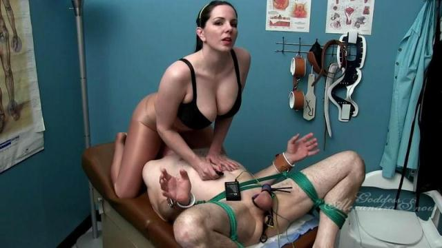 GoddessSnow - Snow - How Badly Do You Want My Ass on Your Face? [HD, 720p]