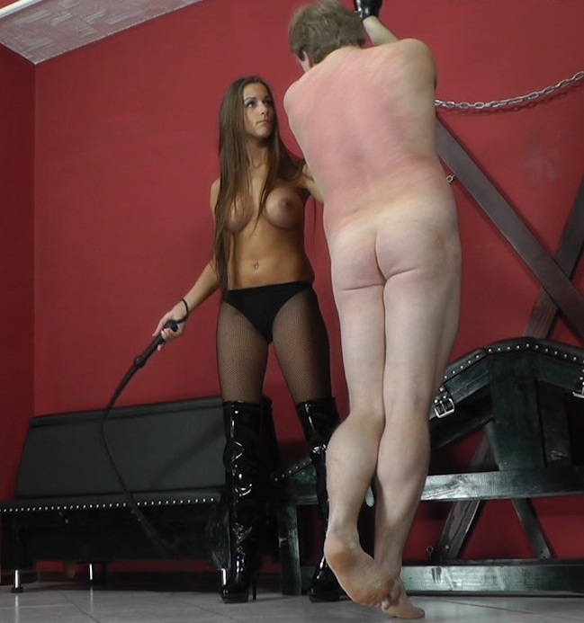 Cruel-mistresses: Mistress Amanda - Reaching The High Note  [HD 720p]  (Femdom)
