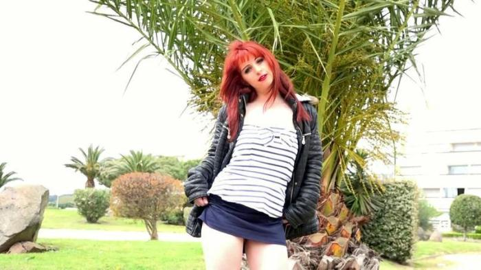 Hot French Redhead Serena, 18ans! / 13.04.2016 [SD/480p/MP4/257 MB]