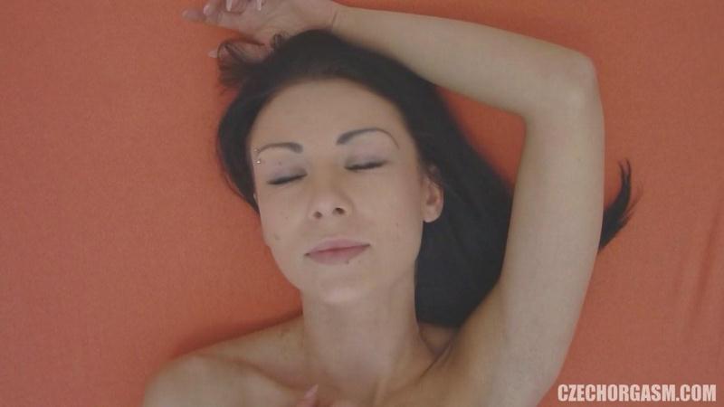 CzechOrgasm.com/Czechav.com: Czech Orgasm 70 [SD] (57.0 MB)