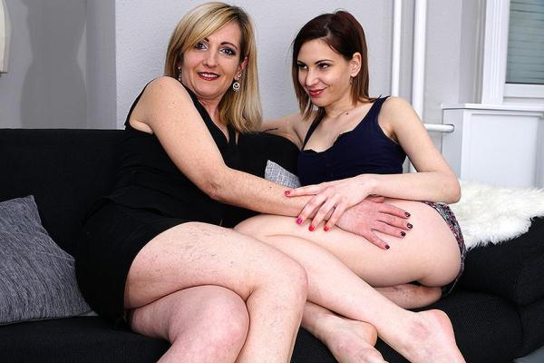 Chanel (21), Theresa B. (42) [Mature.nl] [SD] [640 MB]