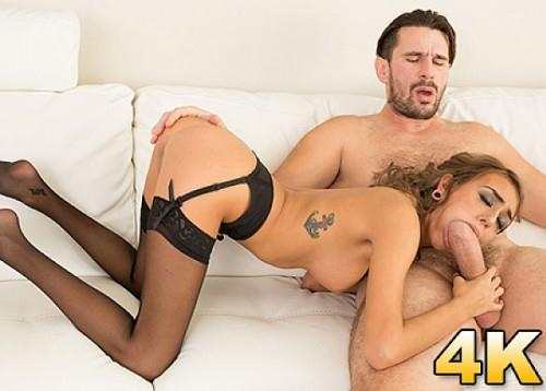 Janice Griffith Tries Her Best To Fit Manuel's Big Fat Cock In Her Mouth (SD, 360p)
