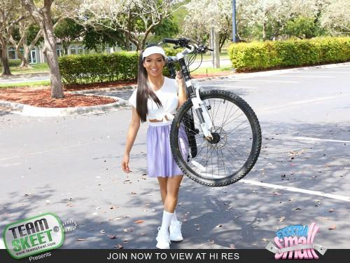 Emily Mena - Itty-Bitty Bicyclist (06.05.2016) [SD/540p/MP4/497 MB]