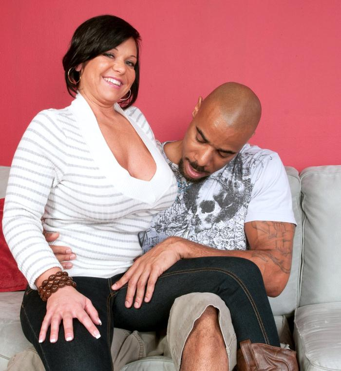 Pornmegaload: Krissy Rose - Doing a stud for Hubby  [HD 720p]  (MILF)